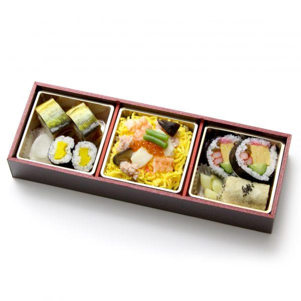 特製海鮮ちらしと寿司盛り